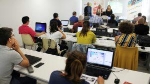 Una vintena d'empreses participen en el cicle de seminaris per crear estratègia empresarial online
